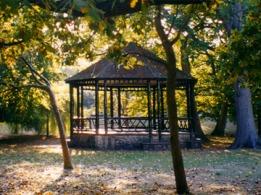 bandstand hotham park