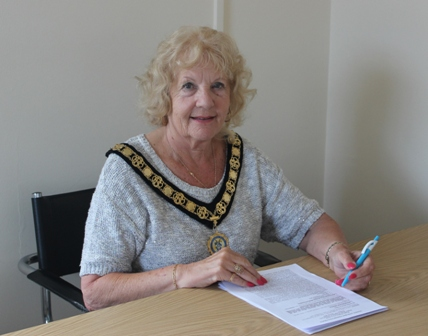 Photograph of Cllr Jeanette Warr for web